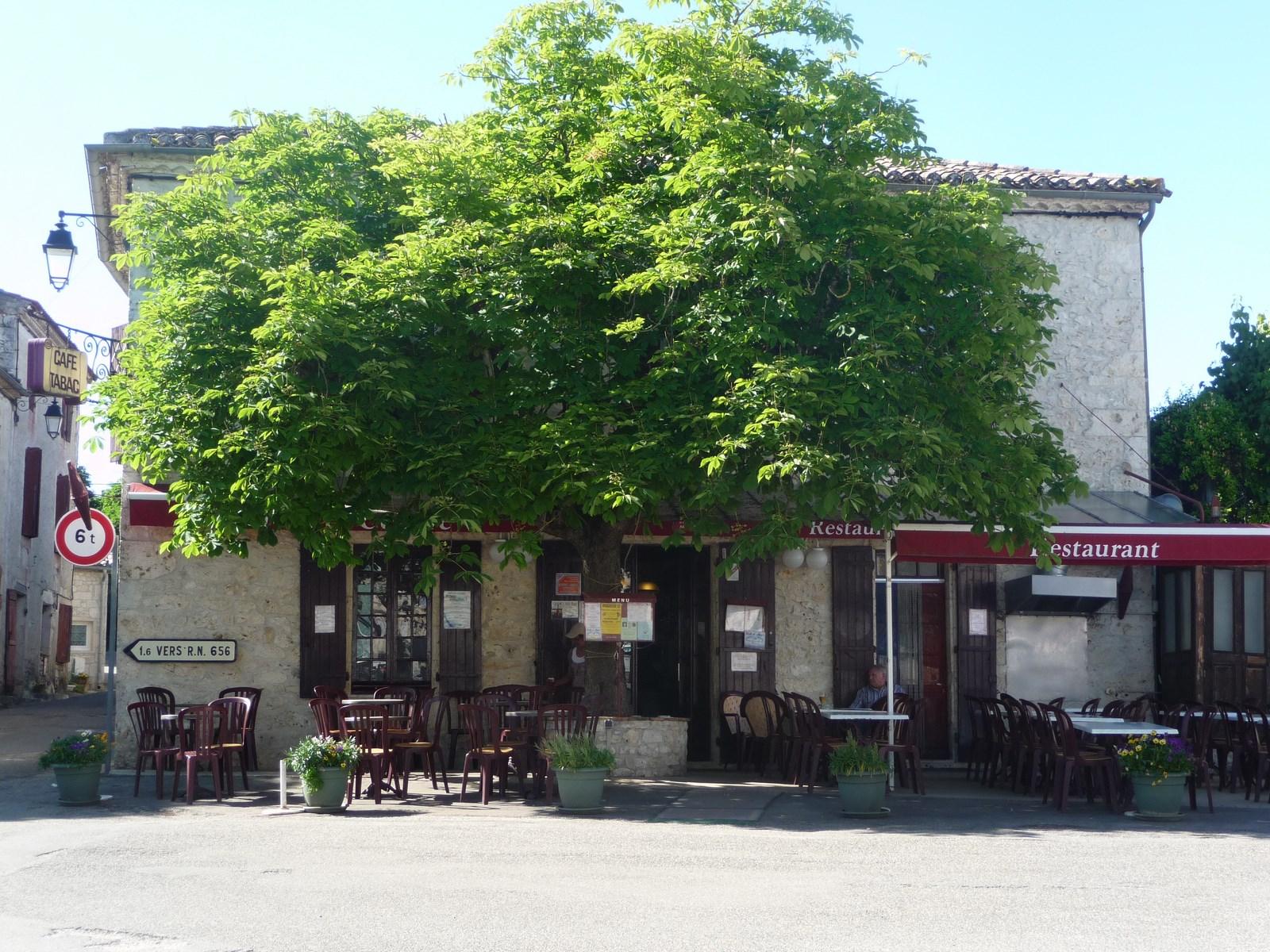 Roquecor commerçant bar restaurant